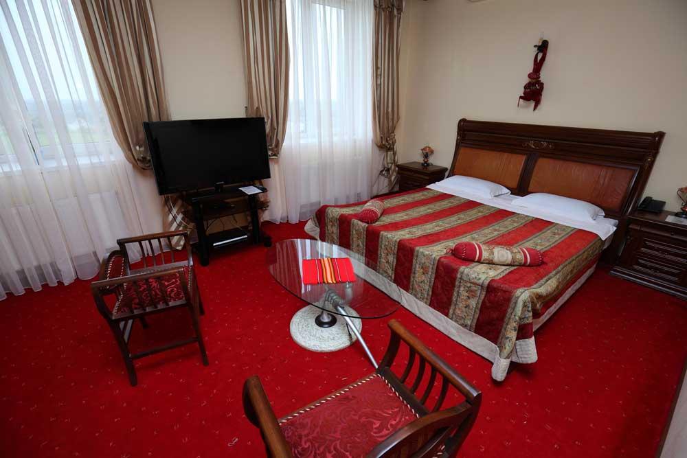 Suite De luxe #11, 19